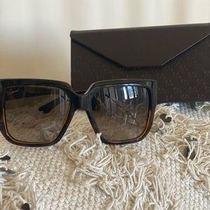 GUCCI Diamantissima Square Sunglasses NWOT
